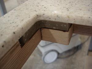 Обработка вырезов искусственный камень