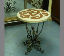 dekorativniy-stolik-iz-iskusstvennogo-kamnya